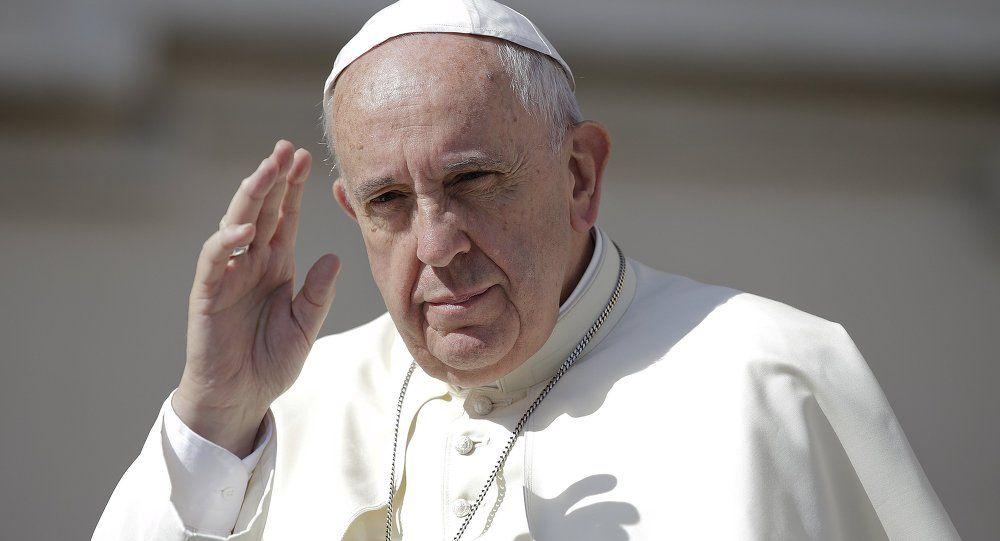 Papa Francisco pidió a peluqueros menos chismes en su lugar de trabajo