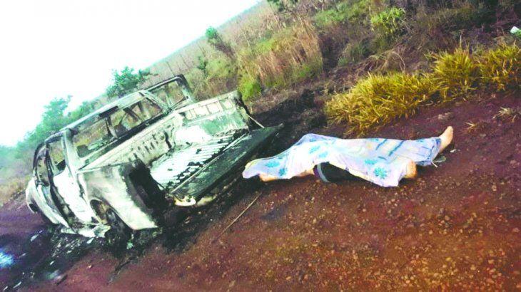 Iba a bordo de su auto Toyota y fue interceptado por cuatro personas armadas