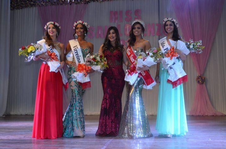 Ganadora de la corona de Miss San Lorenzo