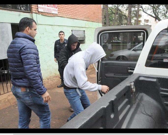 Presos: Matías y Mateo Cuevas Ortiz quedaron a disposición del Juzgado luego de ser grabados robando.