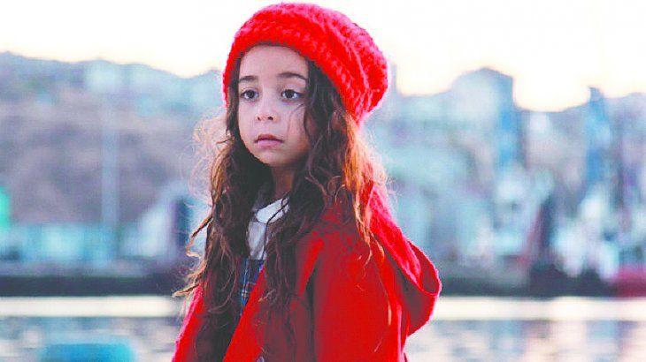 Esta pequeña actriz logró conquistar al mundo con su interpretación de Melek en la popular telenovela turca.