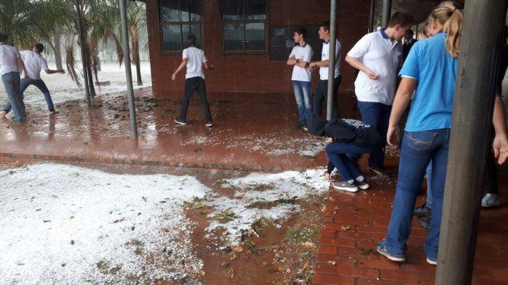 Intensa granizada cayó en Loma Plata