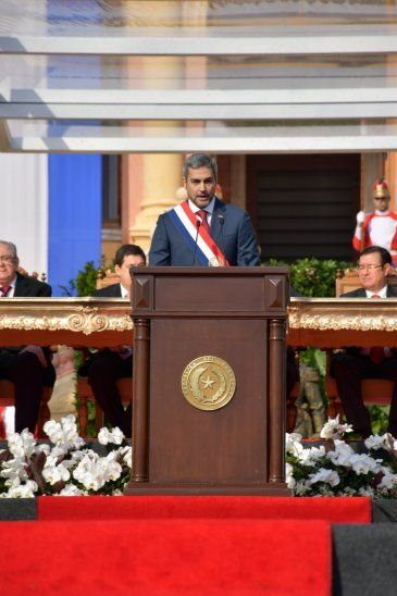 Asumió el presidente de la República Mario Abdo Benítez.
