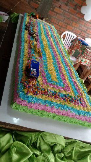 Con torta de 100 kilos festejaron el Día del Niño