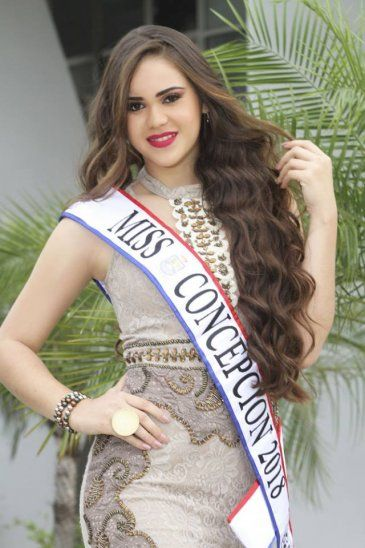 La candidata de Concepción mencionó que nunca le explicaron qué pasó con su vestido y con su zapato. Pasó tremenda pelada.