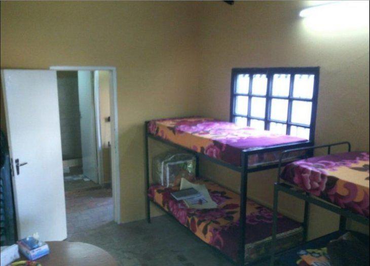Las instalaciones de la SEN en Fernando de la Mora. Las personas en situación de vulnerabilidad pueden abrigarse en una de las camas calentitas para pasar la noche.