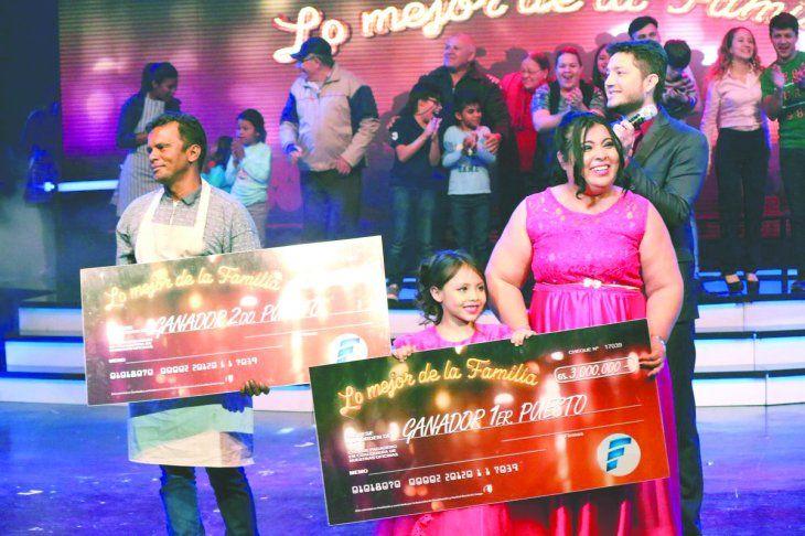 El jurado quedó enamorado de la pequeña integrante de la familia. Se llevaron G. 3 millones como premio.
