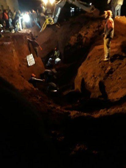 Los cuerpos fueron rescatados por bomberos voluntarios (foto: Prensa Cinco).