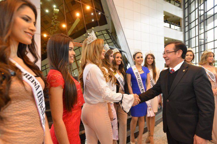 Las candidatas piden apoyo por parte del Gobierno al certamen de belleza