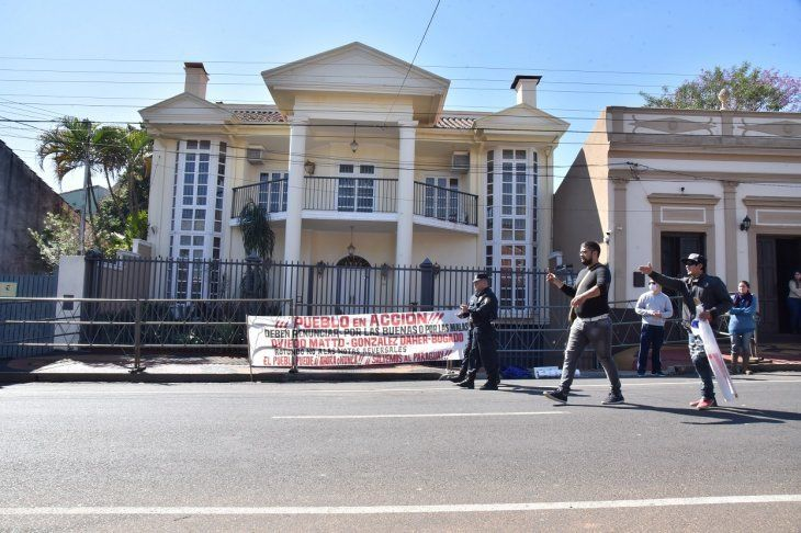 Allanaron casa de González Daher