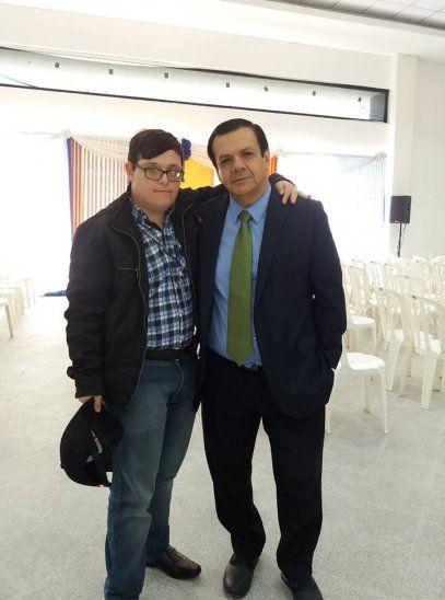 UN LOCUTOR ILUSTRE:  Alberto Vera se destaca en radio de Pilar