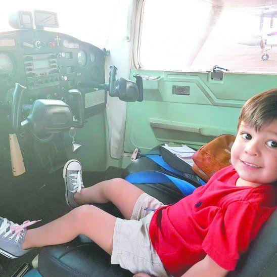 Thiago, el piloto más joven de Paraguay