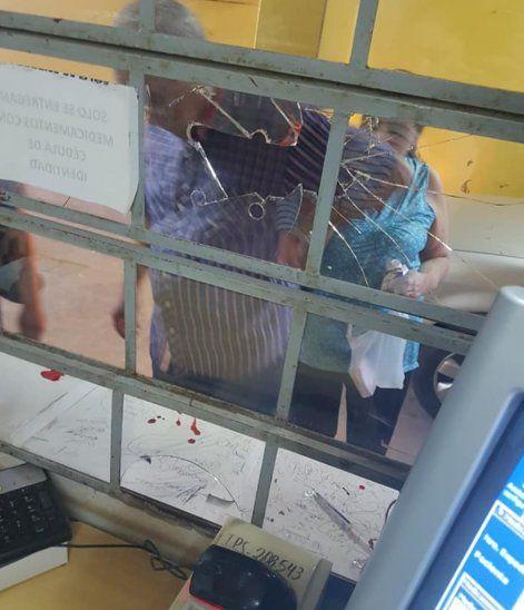 Asegurado agredió a farmacéutica del IPS