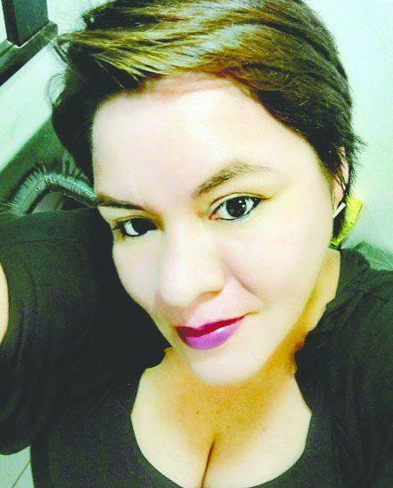 Manicurista asegura ser la hija de Horacio Cartes