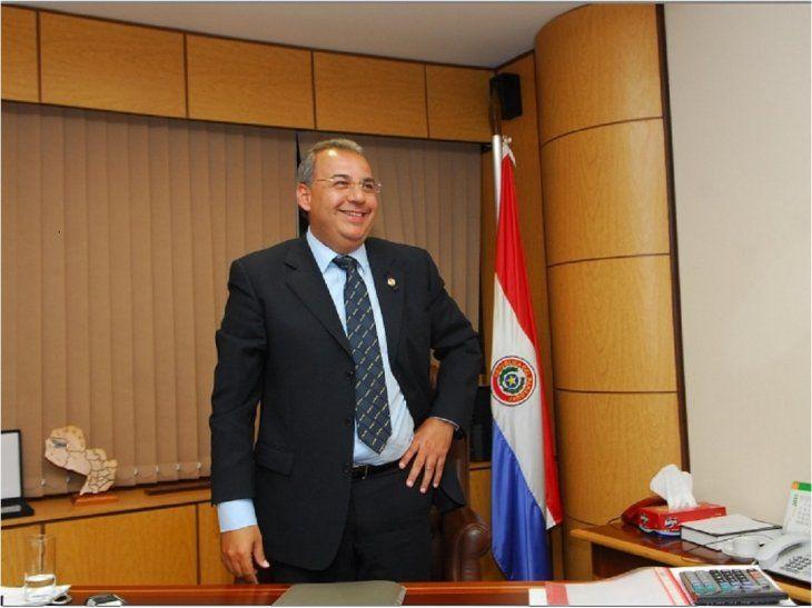 ¿Y quien va a quedarse con la banca de Oviedo Matto?