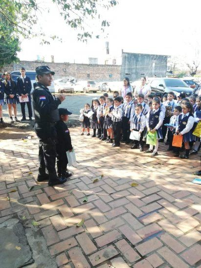 Minipolicía causó sensación esta mañana en Itá