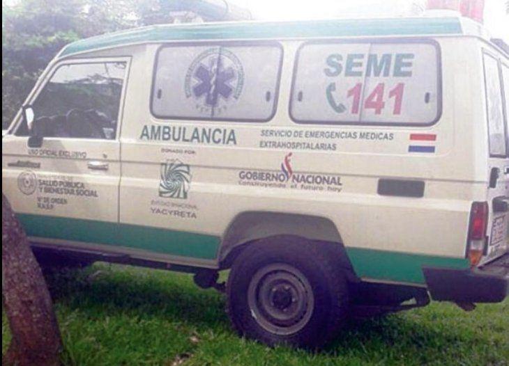 Ambulancia del SEME que fue donado al puesto de salud de Yaguarete Forest.