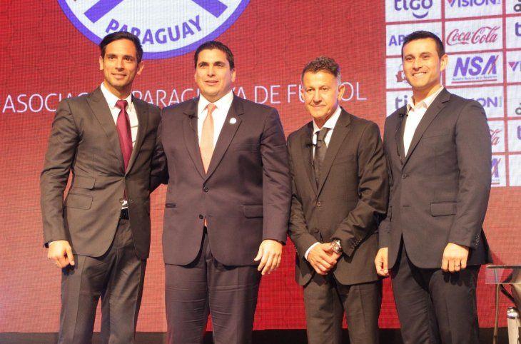 Nuevos cargos. Roque Santa Cruz es el nuevo embajador de la Albirroja
