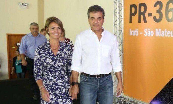 El exgobernador Beto Richa y su esposa Fernanda