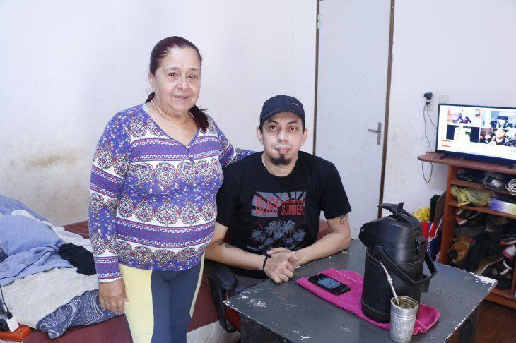 Marcelo Medina y su mamá Mirian Benítez.