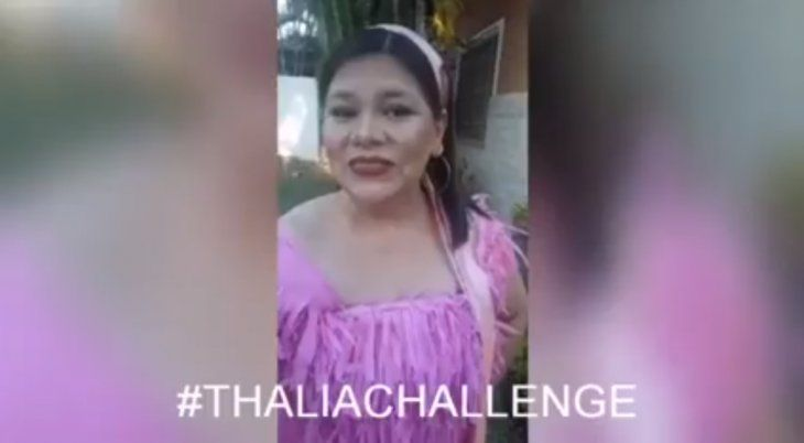 Thalía compartió en su cuenta de Twitter el video de la profe paraguaya.