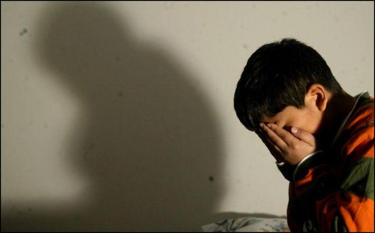 Lesión: La Fiscalía corroboró que existen marcas en la espalda del pequeño de 5 años. La mujer podría ser imputada por maltrato infantil.