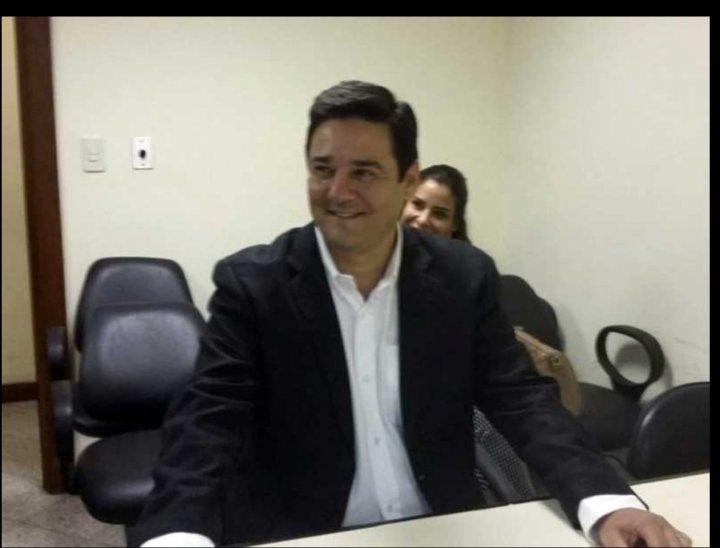 Enrique Salyn Buzarquis se va a enfrentar a la justicia.