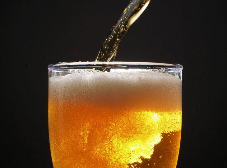 Después de este vídeo ya no vas a tomar cerveza sin espuma