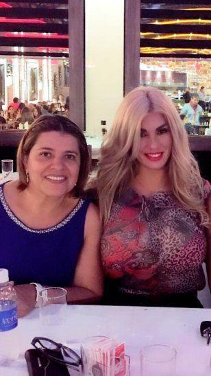 Lilian Ruiz y su suegra