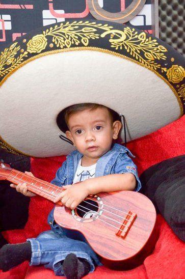 Brunito cantará hoy  en el festival solidario