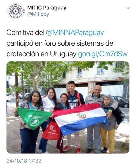 Polémica por pañuelo proaborto en comitiva oficial de la Niñez
