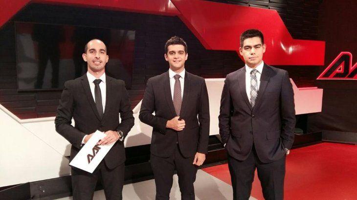 La dupla. Enrique y Santi continuarán en la TV.
