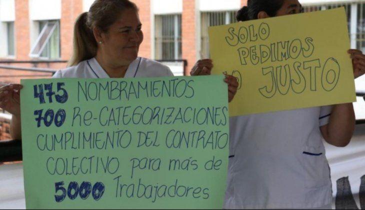 Los manifestantes exigen que 475 funcionarios sean nombrados.