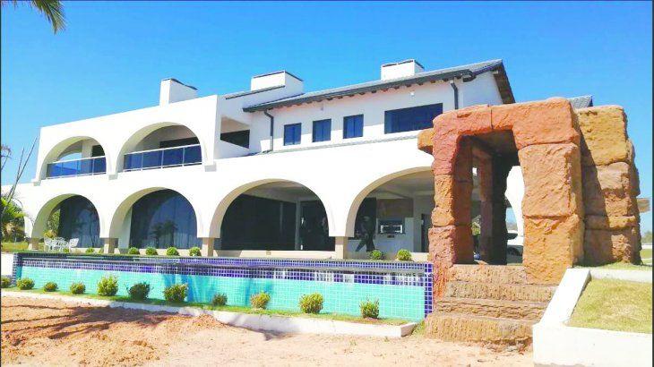 Fachada de la casa quinta ubicada en la compañía Tacuaró de Juan E. OLeary: ahora quedó en manos del Estado.