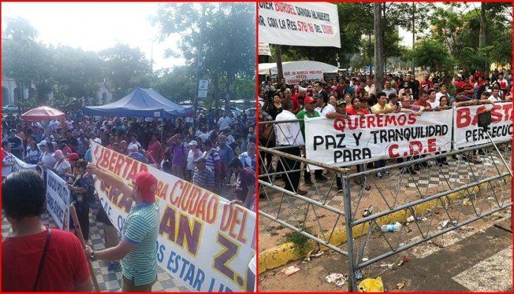 Varias manifestaciones se hicieron a favor y en contra de la intervención.