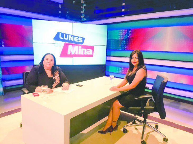Mina recibió a Larissa en su programa Lunes de Mina.