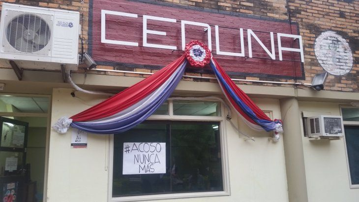 Contra el acoso. Estudiantes animan a sus compañeras a denunciar a los profes acosadores