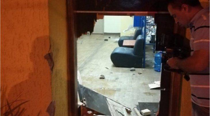 Varios daños provocaron los hinchas al club.