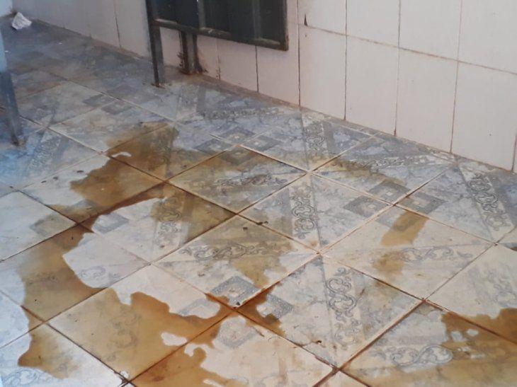 Directora alega que hay muchas infecciones urinarias ya
