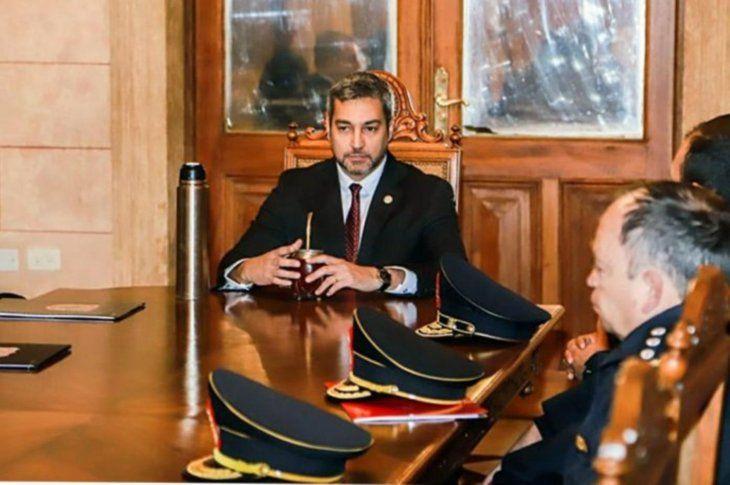 Reunión del presidente con jefes policiales.
