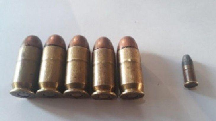 Vainillas servidas levantadas en el lugar del tiroteo.