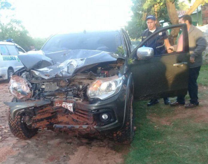 La camioneta de Ibáñez quedó destrozada en la parte delantera