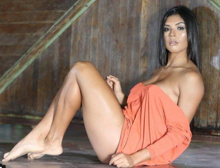 Adela Alonso tiene al rollete enamorado gracias a sus sensuales fotos que va publicando en sus redes sociales en donde tiene éxito total con la cantidad de seguidores.