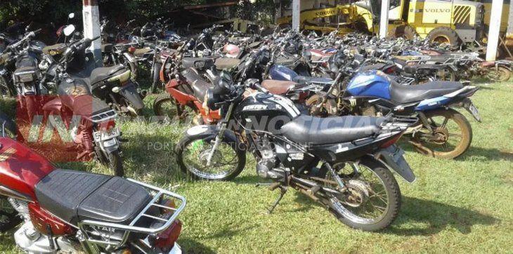 La comuna de Tomás Romera Pereira ya ha juntado numerosas motocicletas decomisadas (Foto: Itapúa en Noticias).