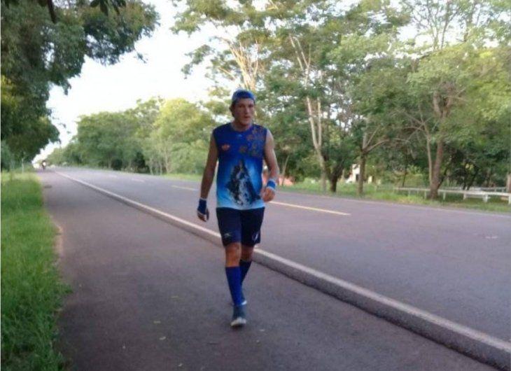 Esfuerzo. Milciades Sánchez va por su segundo año consecutivo trotando a Caacupé.