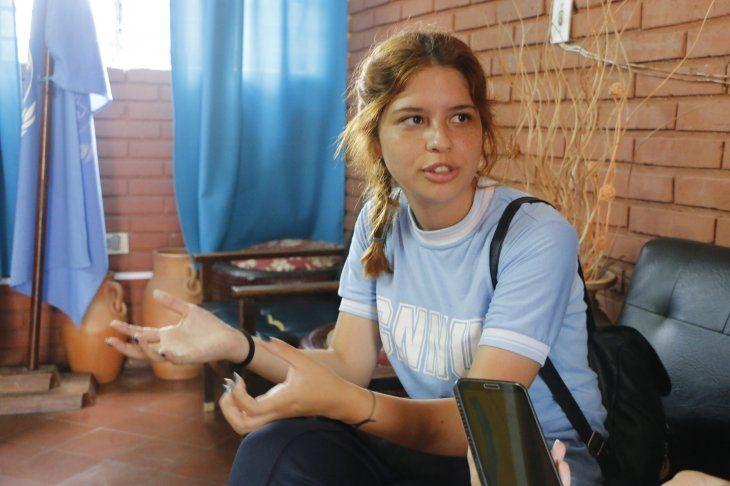 Bethania Brítez. Mejor alumna. Bachillerato en Ciencias Sociales.