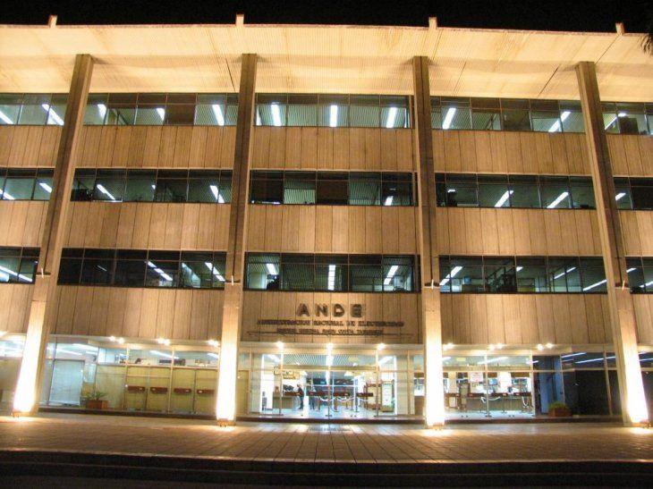 La ANDE habilita 75 plazas para funcionarios contratados.