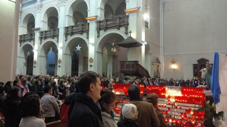 Paraguayos en Barcelona honran a la Virgen de Caacupé