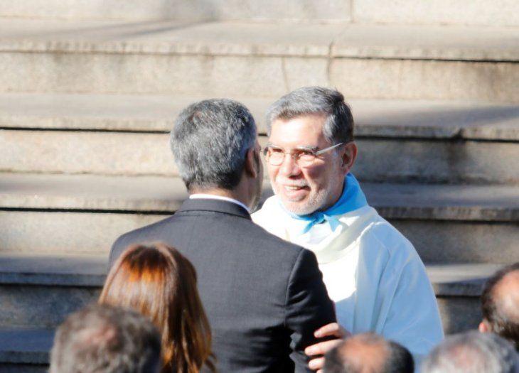 El padre Oscar conversó con el presidente Marito Abdo.