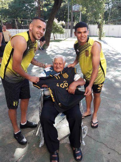 El Cacique premió a Don Andrés por su fidelidad